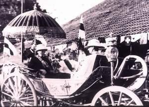Silver coach H.H Nawab Mahabat Khan Nawab of JunaGadh and his H.E Lord Wellington Viceroy of India 1936